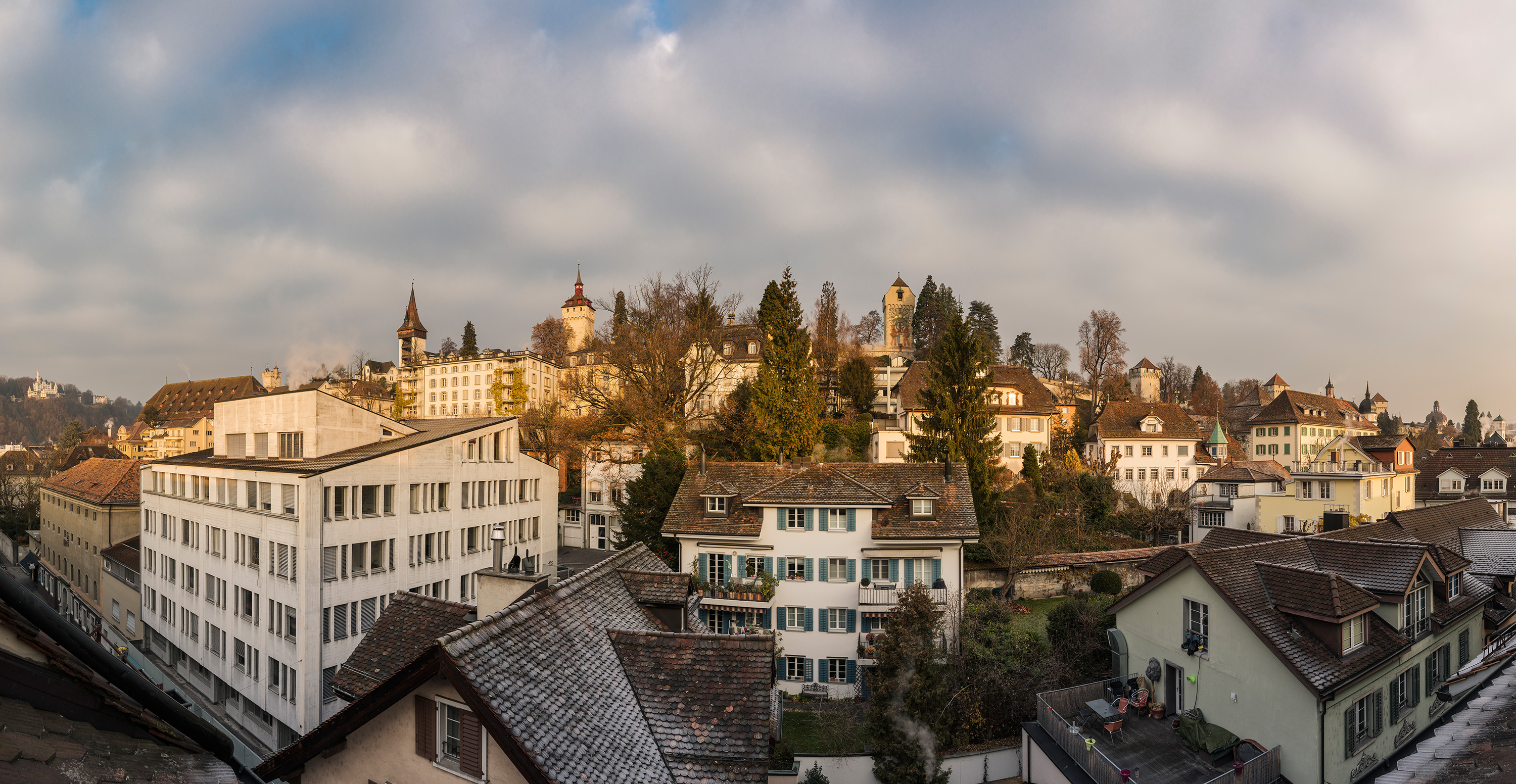 Yogaschule Luzern Panoramaaussicht auf Musegg